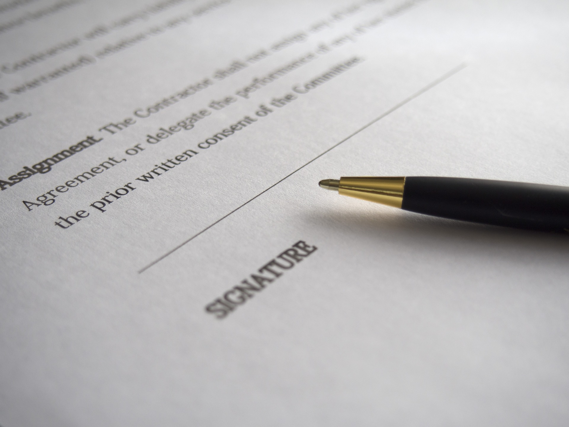 https://pixabay.com/en/business-signature-contract-962364/