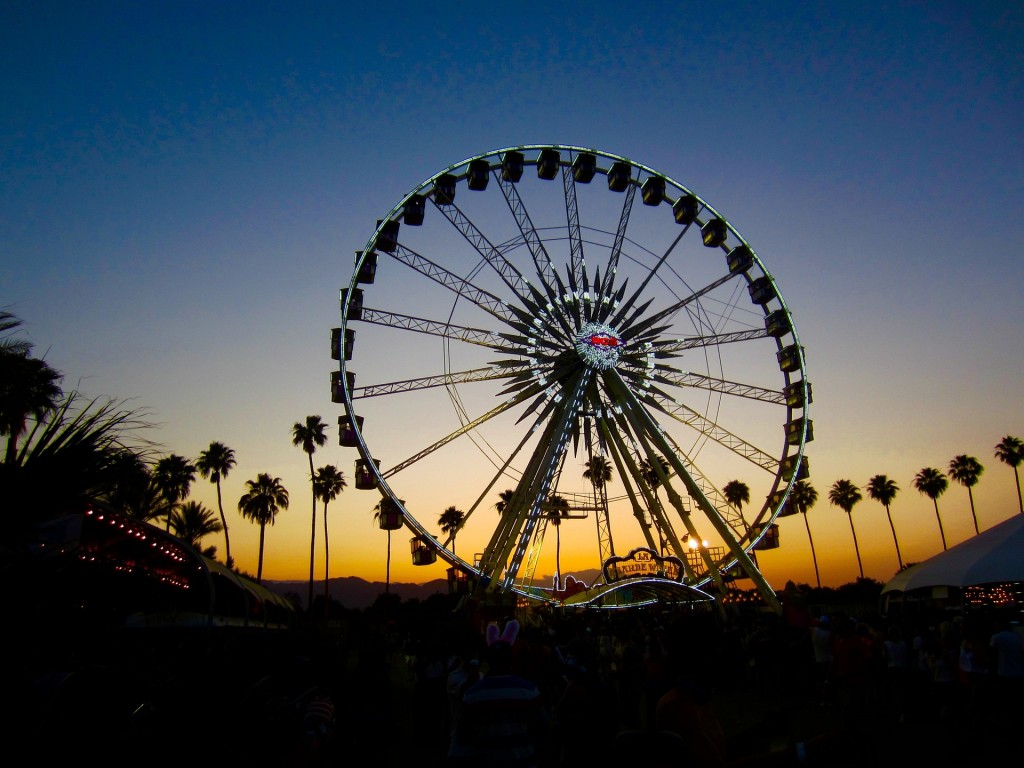 https://pixabay.com/en/coachella-ferris-wheel-big-wheel-1083735/