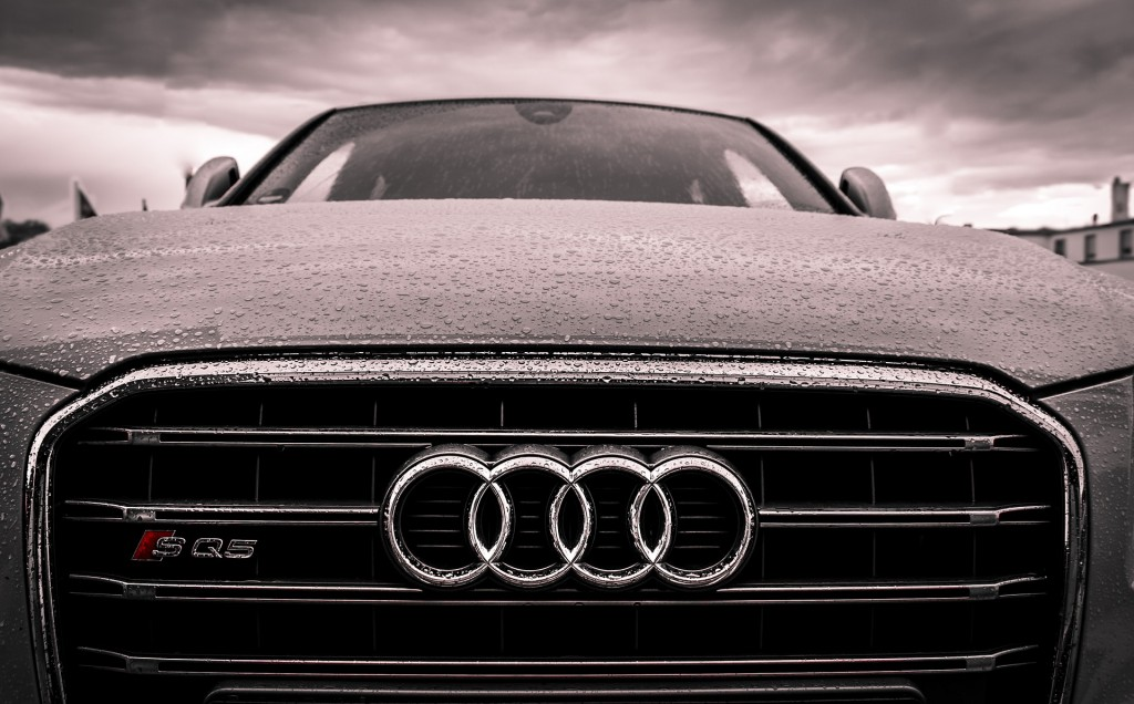 https://pixabay.com/en/audi-audi-car-automobile-automotive-1854056/