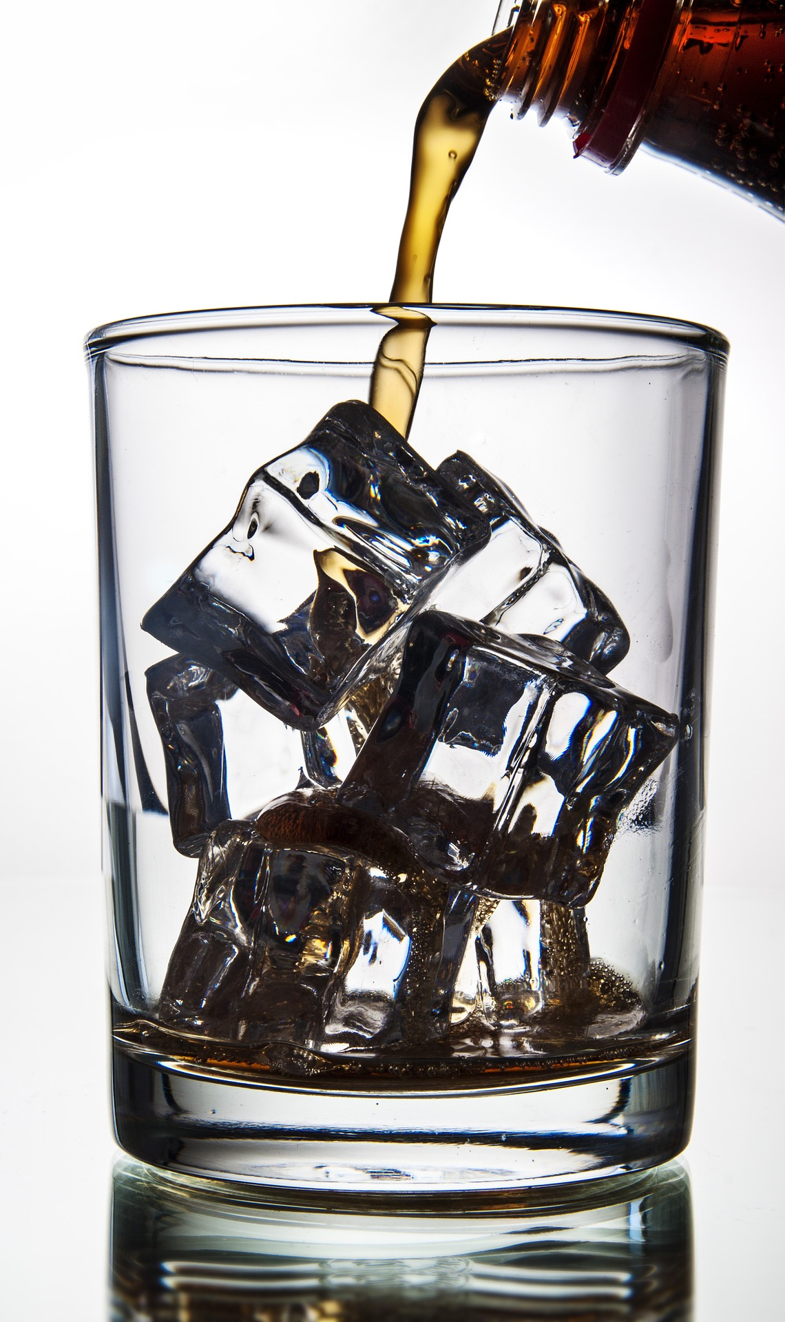 https://pixabay.com/en/cola-pouring-in-a-glass-with-ice-ice-2769457/